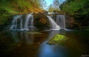 Aziz Nasuti-Teisendammen waterfall