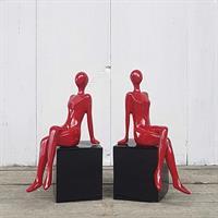 Women in red, set om 2 st