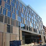 NCC har byggt Mästerhuset åt Pembroke Real Estate, certifierad LEED Platinum. Piacon var LEED-samordnare