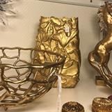 Inredning i guldfärgat
