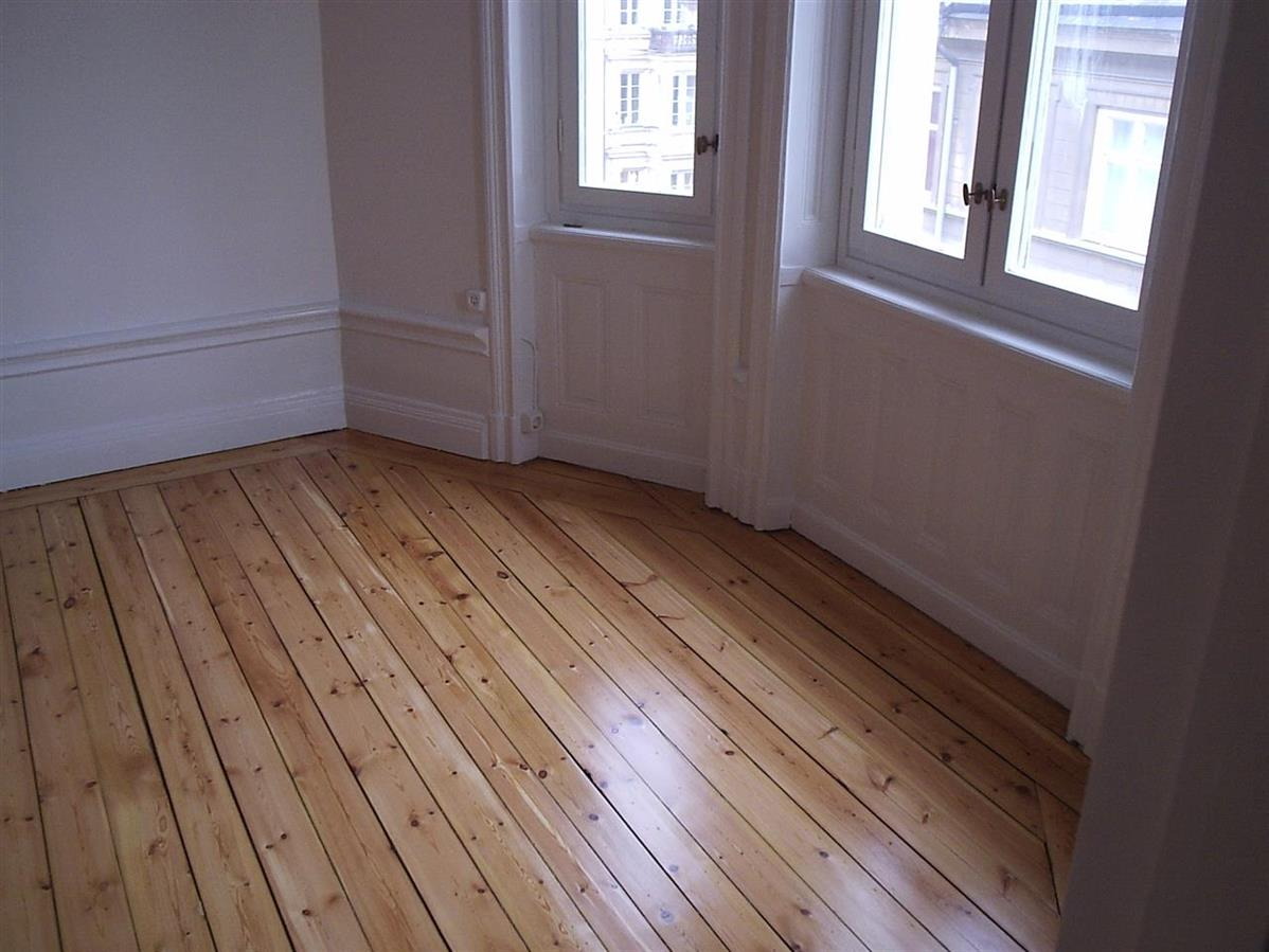 Slipat och lackat golv