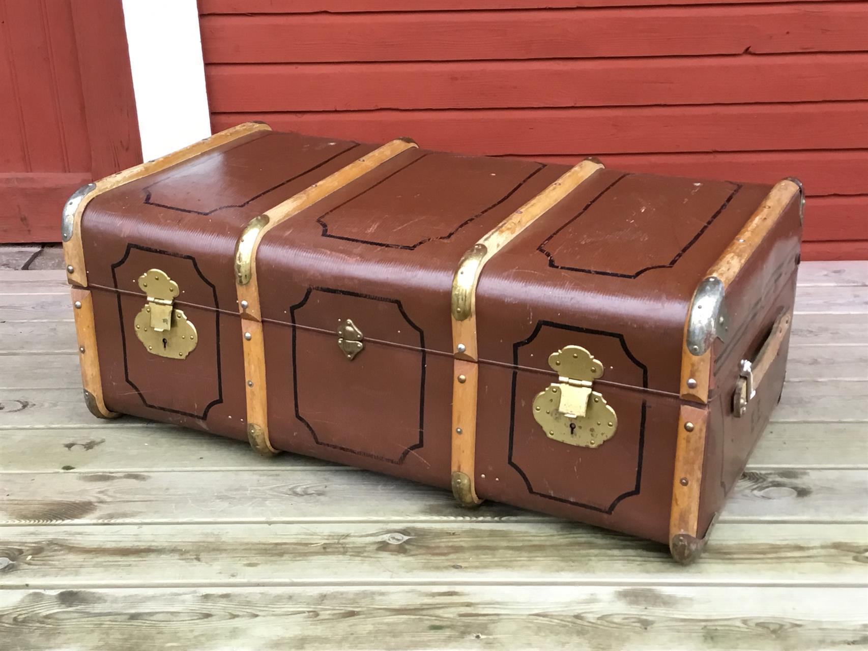 äldre koffert