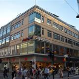 LEED GULD, KlaraZenit är dubbelt certifierad. Hela byggnaden enligt LEED för drift av befintliga byggnader, LEED EBOM och Vasakronans kontorslokal enligt LEED för Inredningar, LEED CI. Piacon var LEED-samordnare