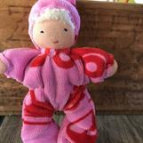 Småbarn med luva o vitt hår - rosa velour med röda fordon - klicka för att beställa!