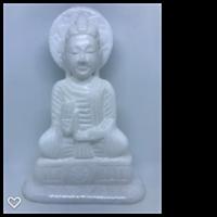 Buddha i vit sandsten ca 18 x 12 cm