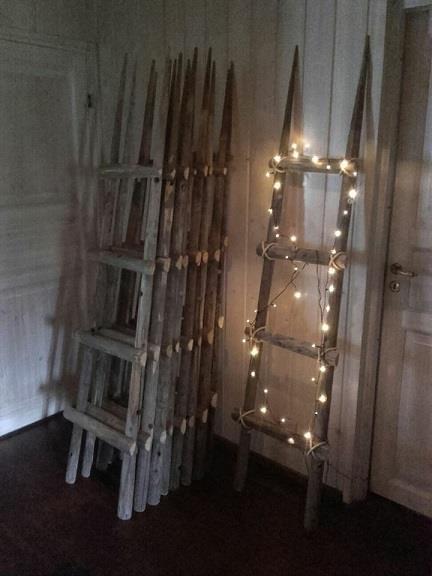 Valoa pimeneviin iltoihin koristetikkailla.