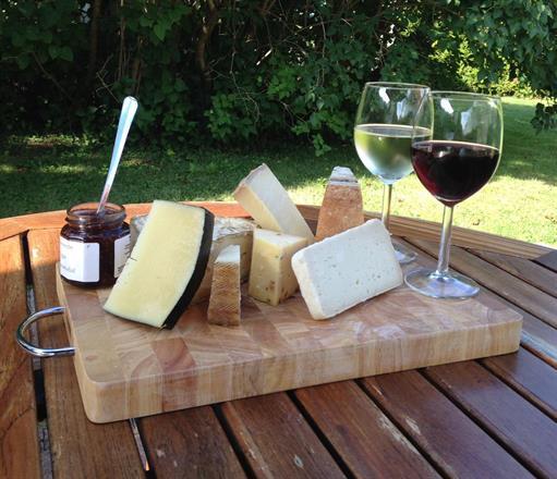 Tvesôvla ost och vin!