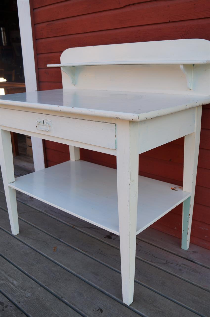 vitt avlastningsbord