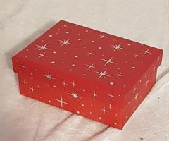 Röd kartong 10x7x4cm