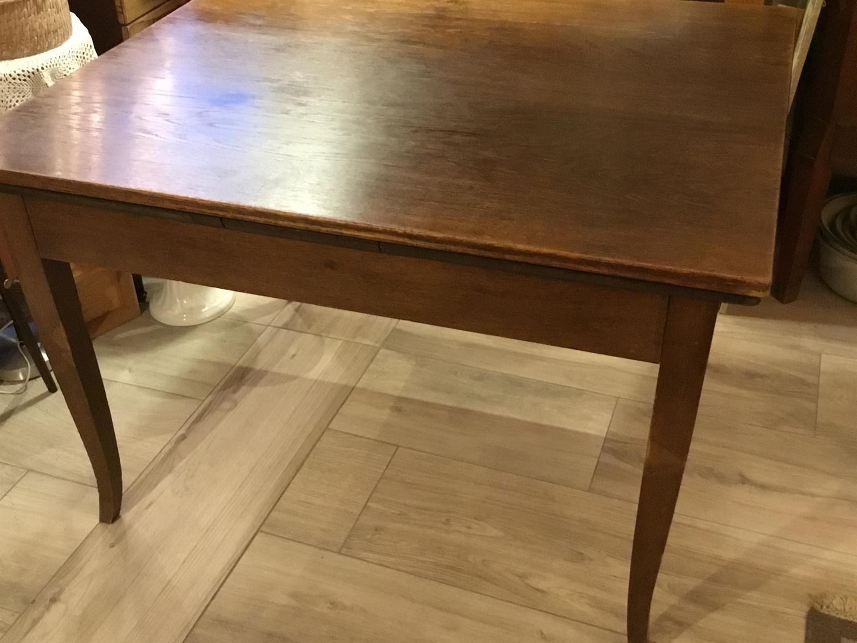 bord med iläggsskivor