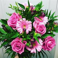 Bukett i rosa och lila