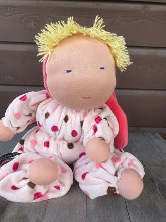 SÅLD!!Stor kramdocka med luva och blond lugg - OEKO-TEX velour, ren ull i kroppen - klicka för att beställa!