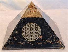 Orgonitpyramid 9,5x9,5x7,5 cm