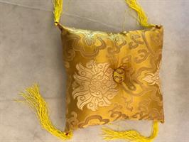 Klangskålskudde gul med tofs