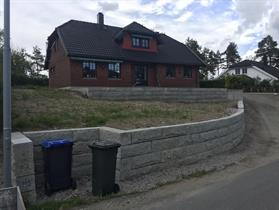 Granitt mur råhugget