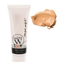 BB Cream - Allt-i-ett-kräm som återfuktar, skyddar