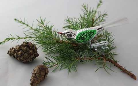 Liten fugl, sølv/grønn