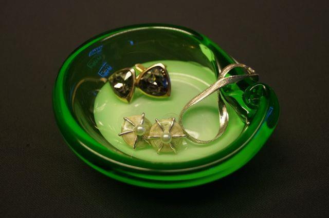 Skål i grönt glas