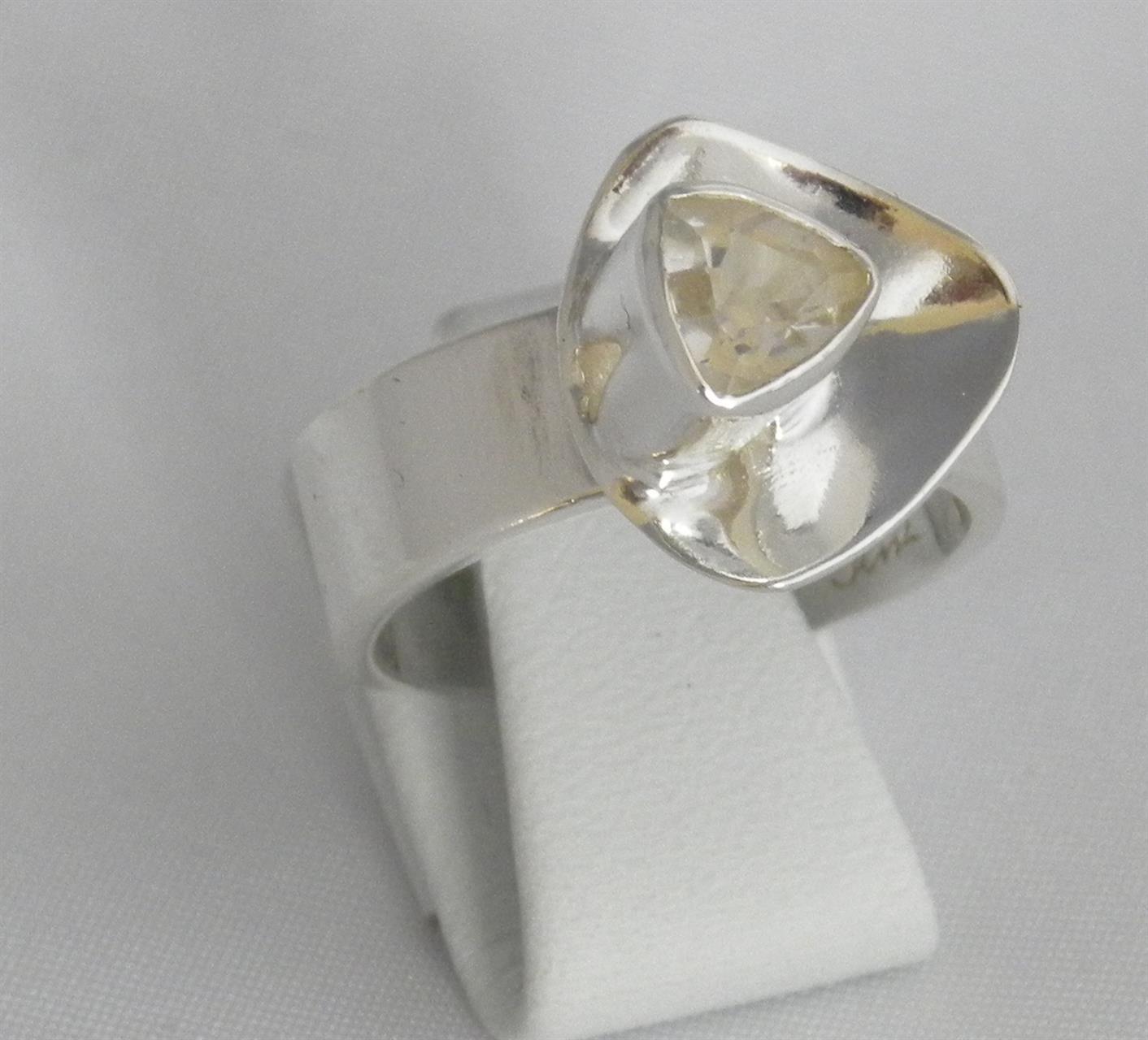 En ring med en topas.
