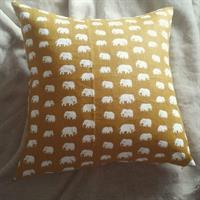 Kuddfodral gult tyg med elefanter 40x40 enkel