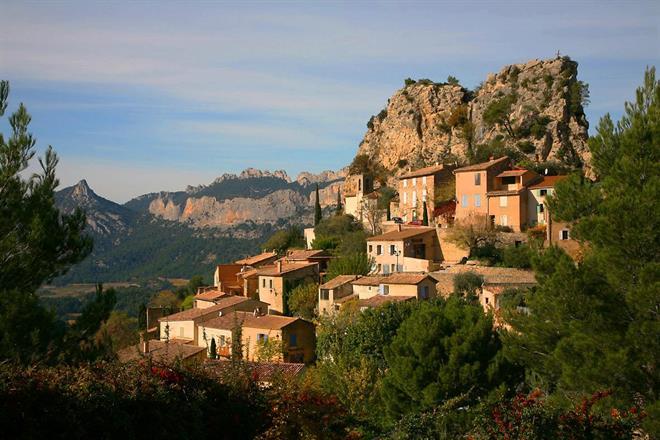 En liten bergsby i Provence.