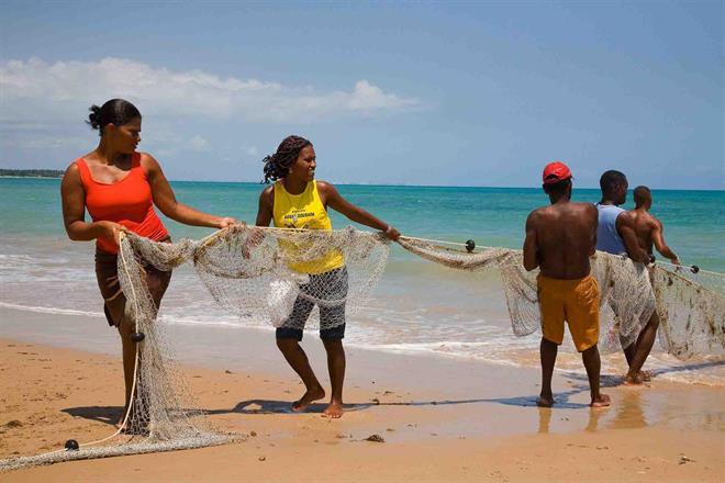 Traditionellt fiske på ön Itaparica, Brasilien