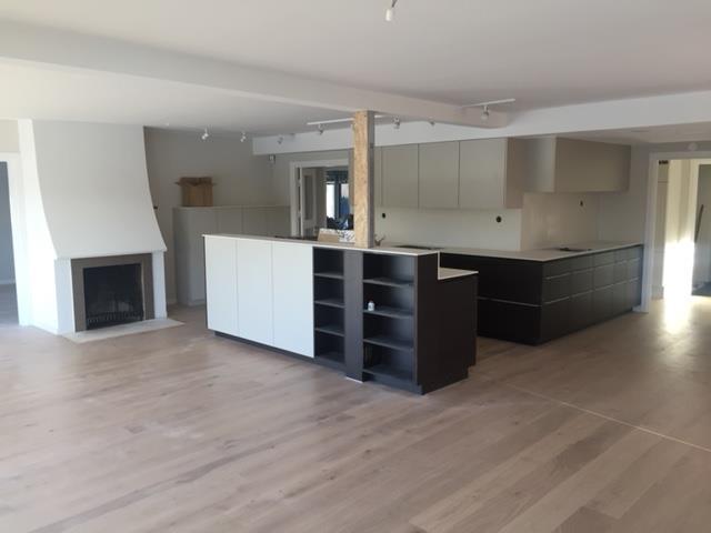 Nytt 3 dubbelt så stort med rivna väggar, nytt golv,nytt kök och målning
