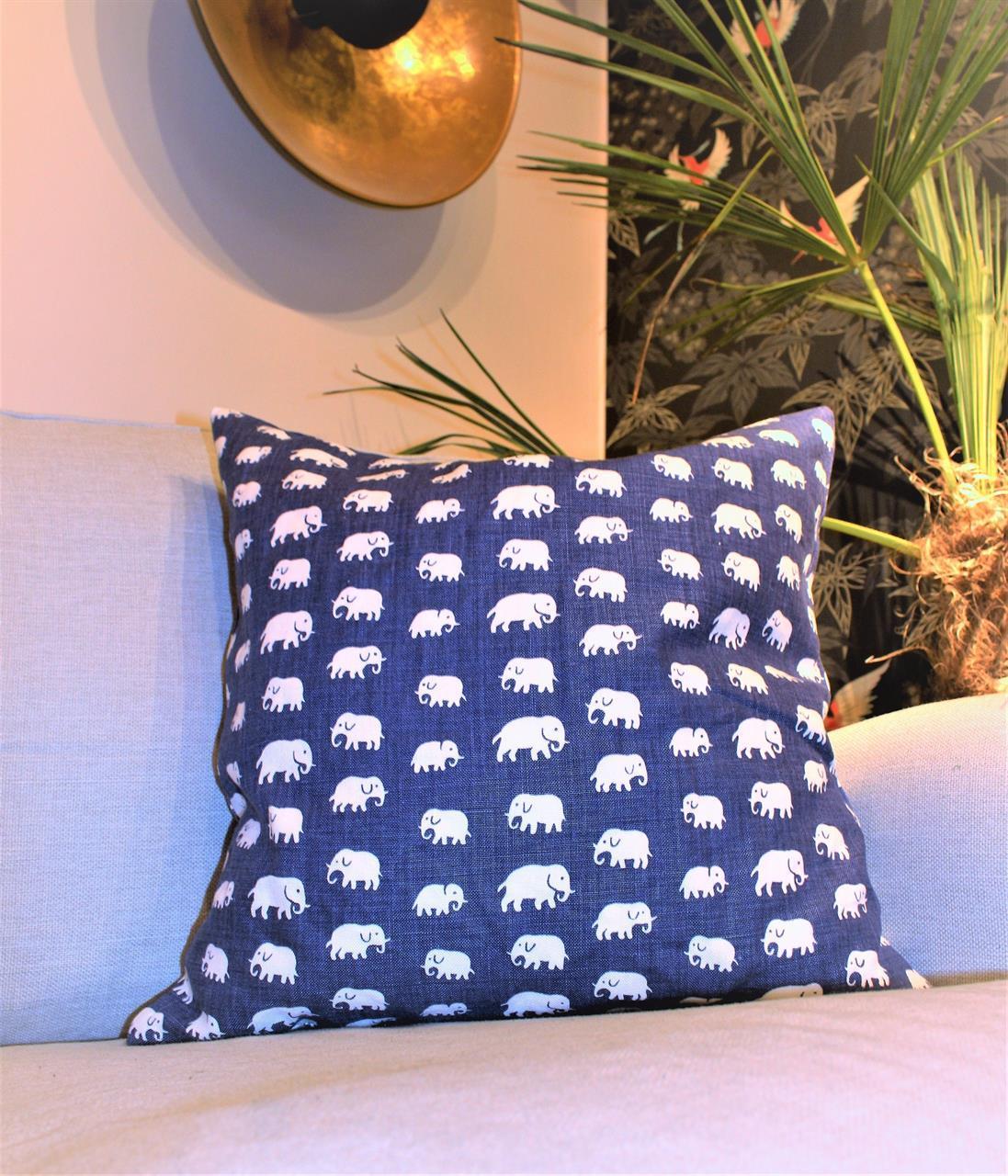 Kuddfodral elefanter stormblå dubbelsidig 50x50
