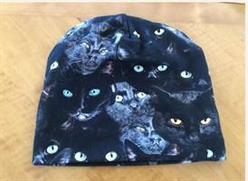 Mössa svarta katter stl Vuxen L (stl 58)
