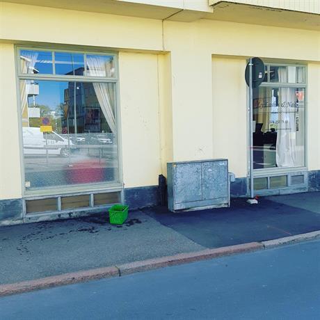 fönsterputsning av skyltfönster, butiksfönster