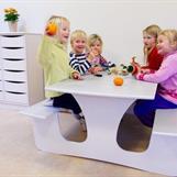 Vägghängt bord finns även som utebord