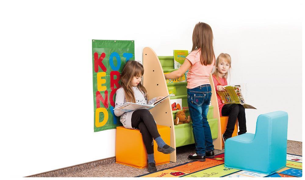 Bibliotek för de yngsta. Passar bra ihop med Ornö förvaring.